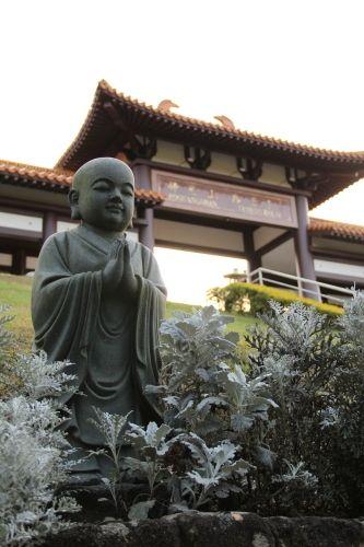 Cotia. Templo Zu Lai. As esculturas são impressionantes. Elas conversam com você.