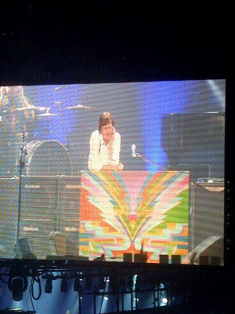 @VegasBroad 1 Dec  Sir Paul wondering what he's going to do with us cause we didn't want it to end. Thanks!! #yegmccartney @PaulMcCartney pic.twitter.com/1wAcjOeq