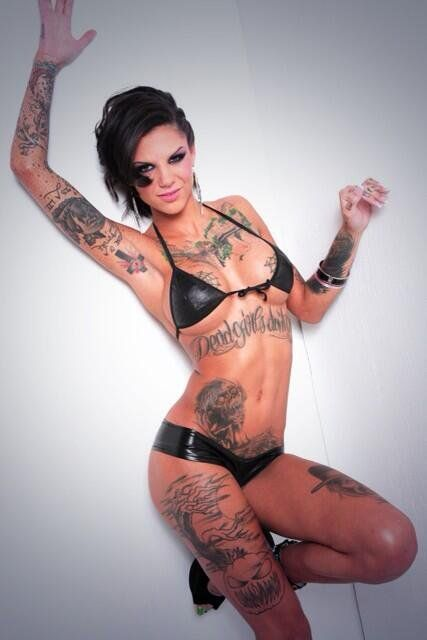 Pin by ck rock on cool girl pinterest bonnie rotten for Tattoo punk porn