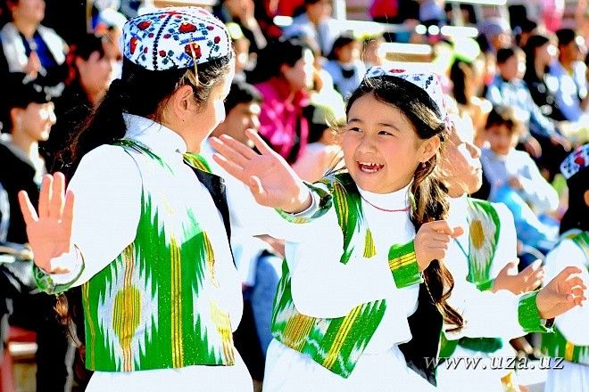 Uzbekistan Girls Dance