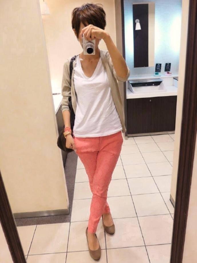 ピンクな大人カジュアルな本日 Cardigan/UNIQLO T-shirt/GAP Bottoms/ZARA Bag/CLARAMONTE Shoes/menu'e Today is the coordination of beige and pink .