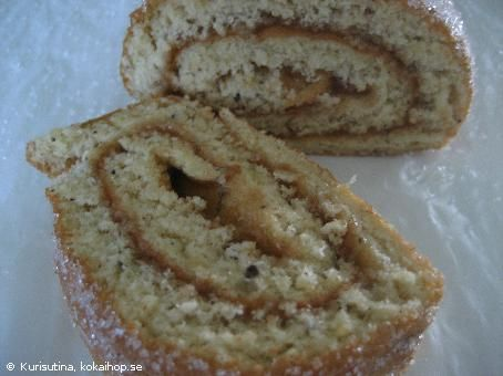 Rulltårta med äppelmos och kanel