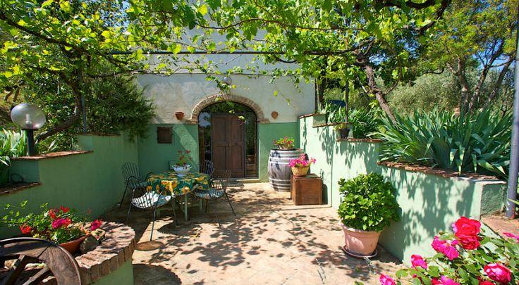 Vakantiehuisje met tuin en zwembad in Toscane