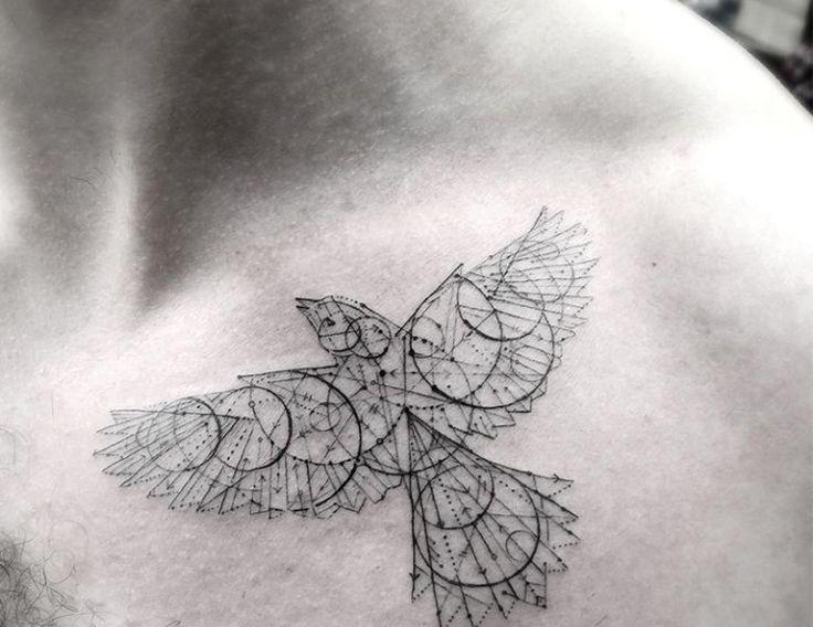 die besten 25 vogel tattoo ideen auf pinterest schwalbe tattoo design freier vogel. Black Bedroom Furniture Sets. Home Design Ideas