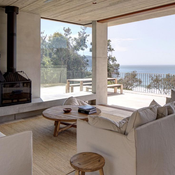 MacMasters beach house by Polly Harbison