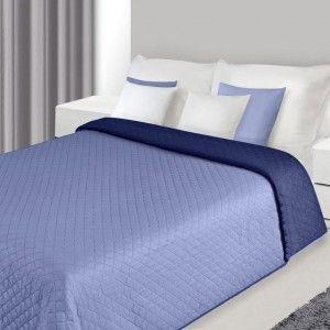 svetlomodra prikryvka na postel