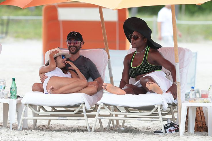 Serena Williams hung out with Eva Longoria and her boyfriend in Miami Beach!