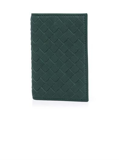 Intrecciato-woven leather card holder | #BottegaVeneta