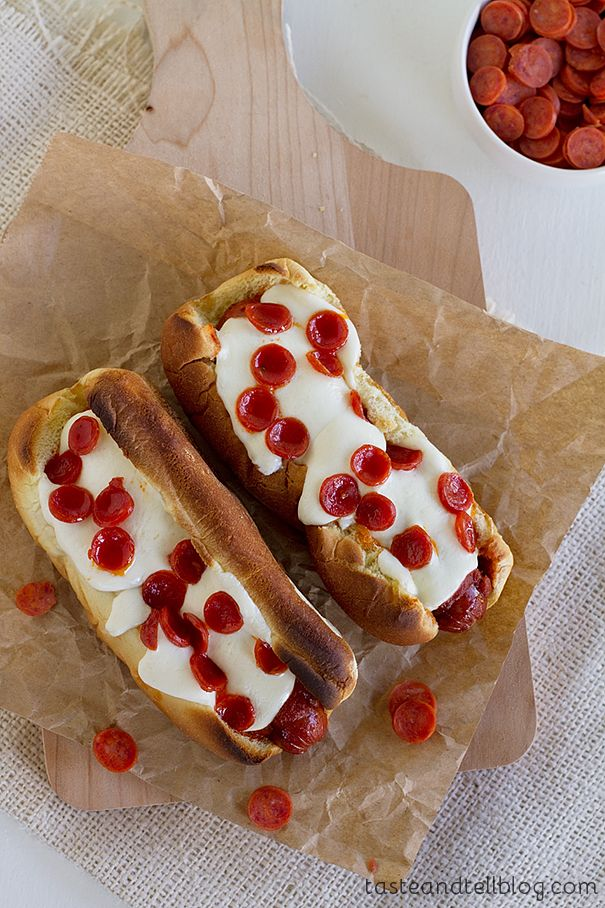 Pup-peroni!  Ingredients 8 hot dogs 8 hot dog buns 1 cup pizza sauce 8 oz fresh mozzarella, sliced Mini pepperoni