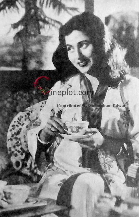 The cup that cheers, Madhubala beams forth happiness in Goel's 'Ek Saal' (1957) - Contributed by Sudarshan Talwar