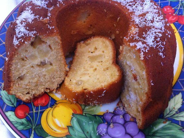 Εξωτικό κέικ με ανανά και καρύδα