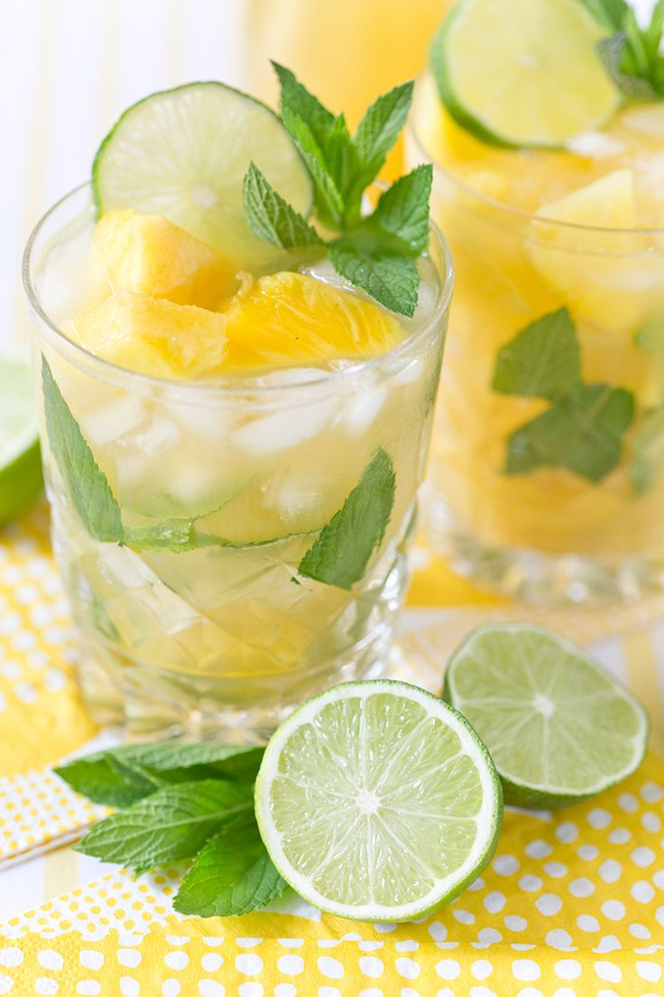 Pineapple Mojito cocktail recipe from Leah Bergman / Freutcake - Pitcher drinks are the best kind of drinks to serve for groups because you can prep a large quantity ahead of time and have them chilling in the refrigerator.