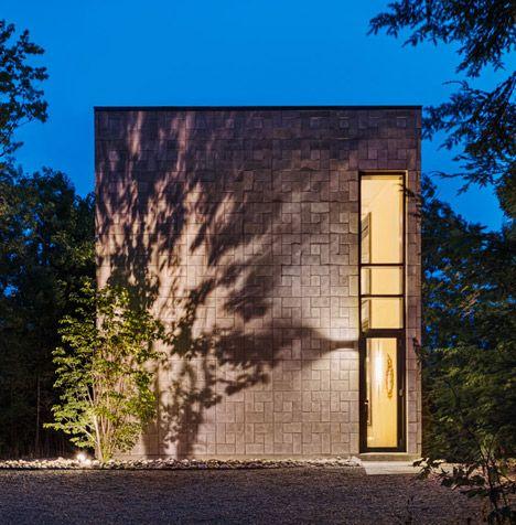 Nice, strong facade. House inQuébec by Kariouk Associates.