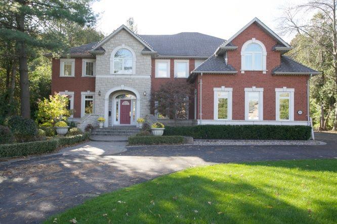 1818 Pine Grove Avenue, Pickering, Ontario   Featured ...