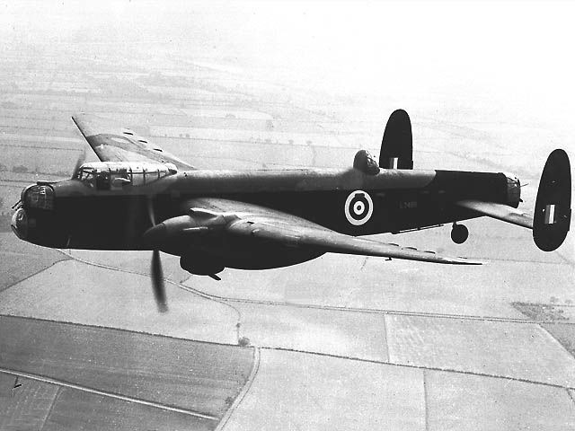 WWII 1939 - Royal Air Force (RAF) Avro Manchester (Twin-Engined Heavy Bomber)