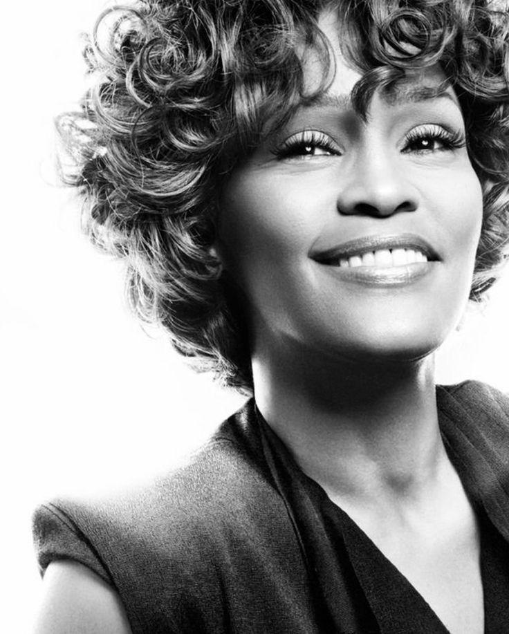 Whitney Houston                                                                                                                                                                                 Plus