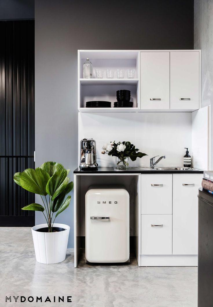 53 best Flat images on Pinterest   Mini kitchen, Small apartments ...