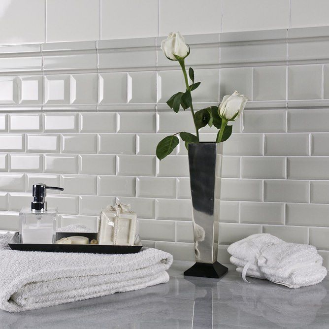 1000 ideas about white subway tile bathroom on pinterest White border tiles bathrooms