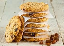 recetas veganas. Galletas de avena y pasas. Unas galletas veganas facilísimas de hacer ideales para tener siempre en la despensa y para hacer con niños. Mira la receta: http://veganarte.com/recetas-veganas-galletas-de-avena-y-pasas/