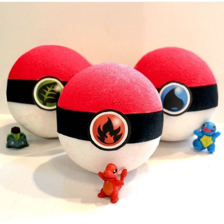 Pack of 3 PokéBombs Pokémon red and white bath bombs