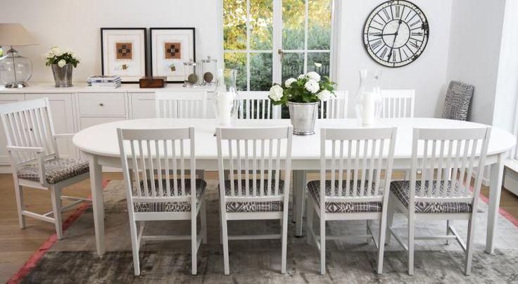 Englesson matrum | Matbord, stolar, skänkar och vitrinskåp mm