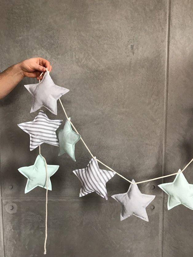 Girlande mit genähten Sternen als schöne und wiederverwendbare Weihnachtsdeko …