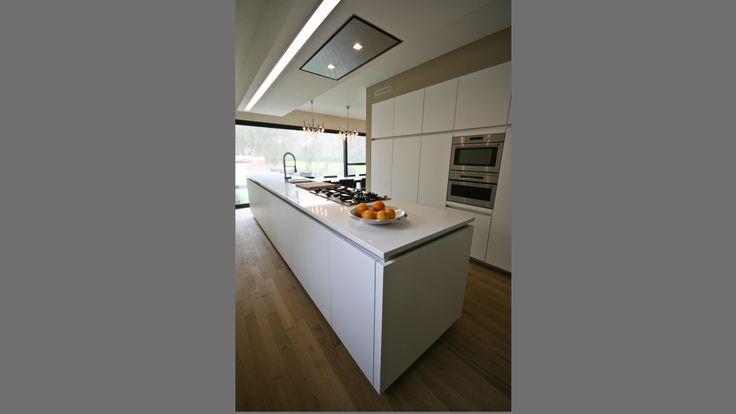 20 beste idee n over open keukens op pinterest droomkeukens boerderijkeukens en grote keuken - Open keuken idee ...