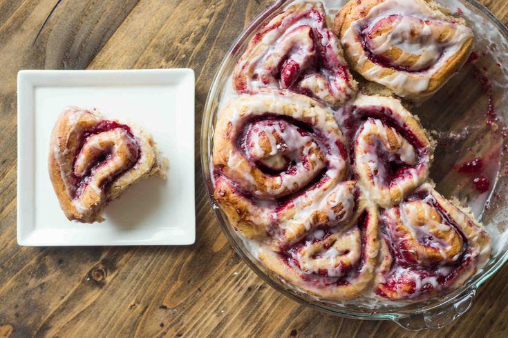 Raspberry Whole Wheat Cinnamon Rolls {Vegan}