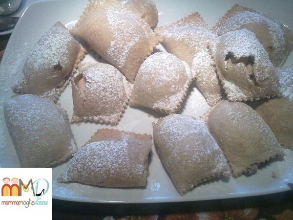 Ravioli dolci di Carnevale al forno | MammaMoglieDonna