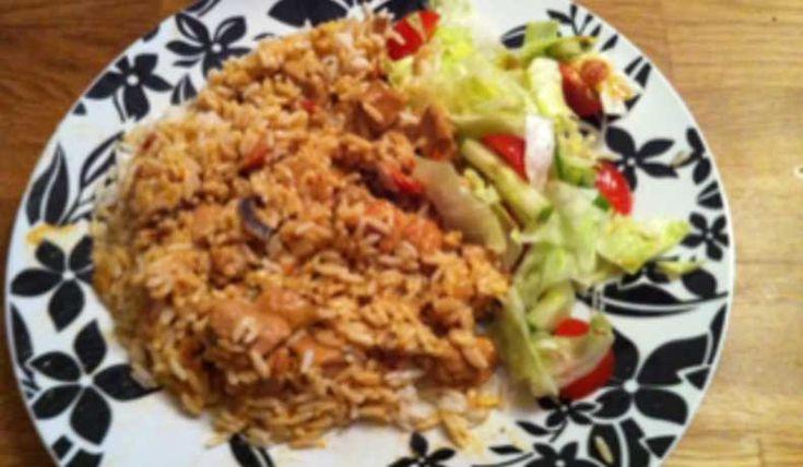Läcker och god kycklinggryta som passar väldigt bra att bjuda på till helgens festligheter..  Servera med ris och sallad, gärna ett glas rött till ;-)