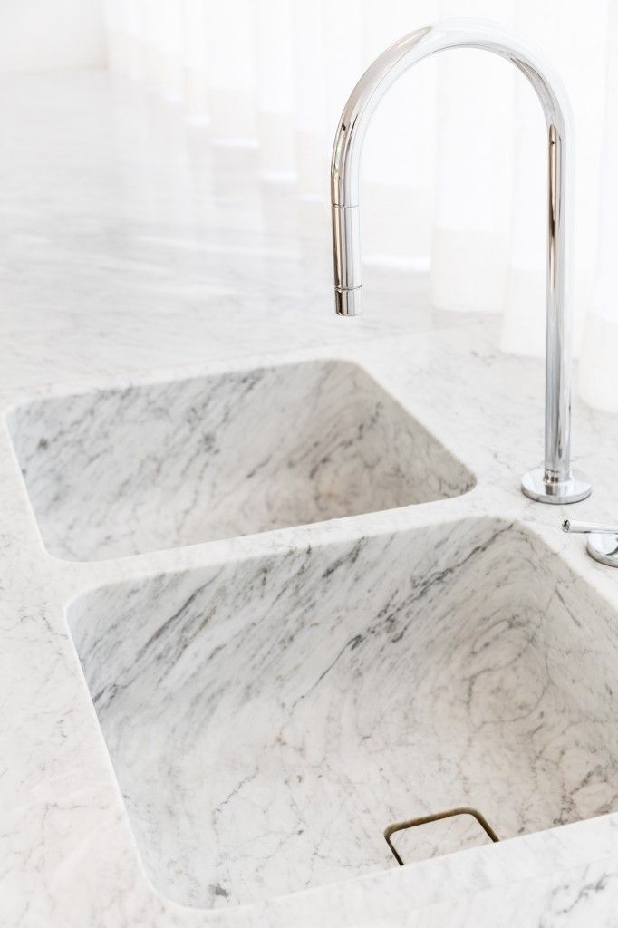 Integrated marble double sink by IlGranito