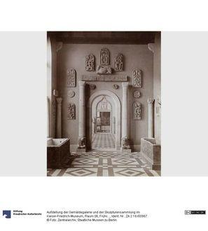 Aufstellung der Gemäldegalerie und der Skulpturensammlung im Kaiser-Friedrich-Museum, Raum 06, Frühchristlich-Byzantinische Kunst, Blick in Raum 8 und 9
