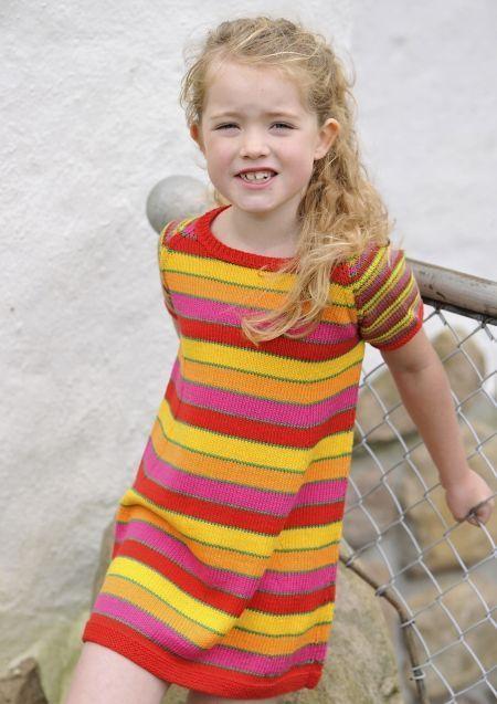 Sommerkjole til piger   Gratis strikkeopskrift