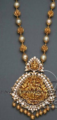 Jewellery Designs: South Pearls Regal Haram