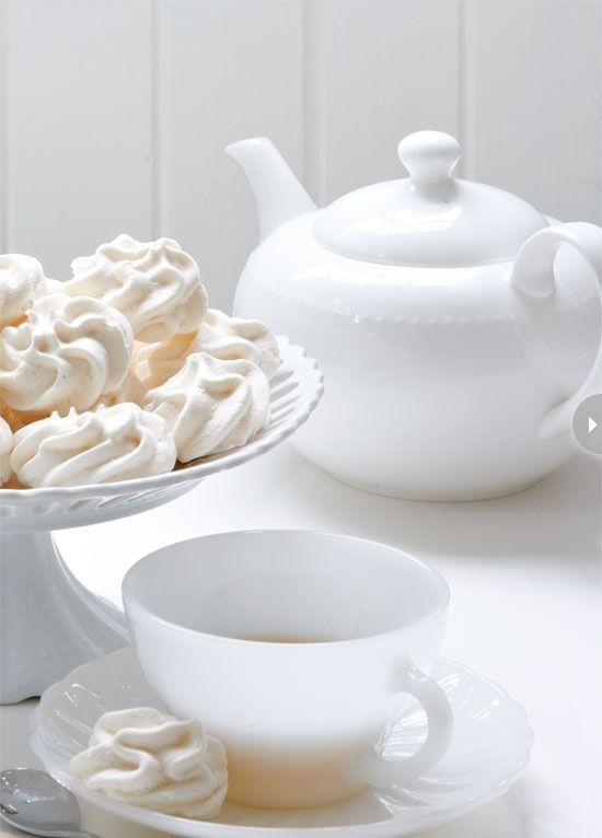 Tea and Meringues