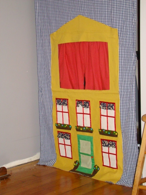 Little Things to Sew doorway puppet theatre
