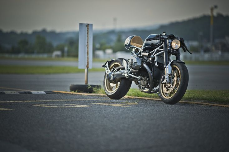 bmw-motorad-nBMW motorrad R nineT customized by four expert japanese tuners