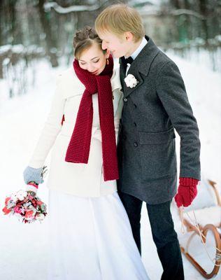 Малиновая зимняя свадьба Паши и Марины