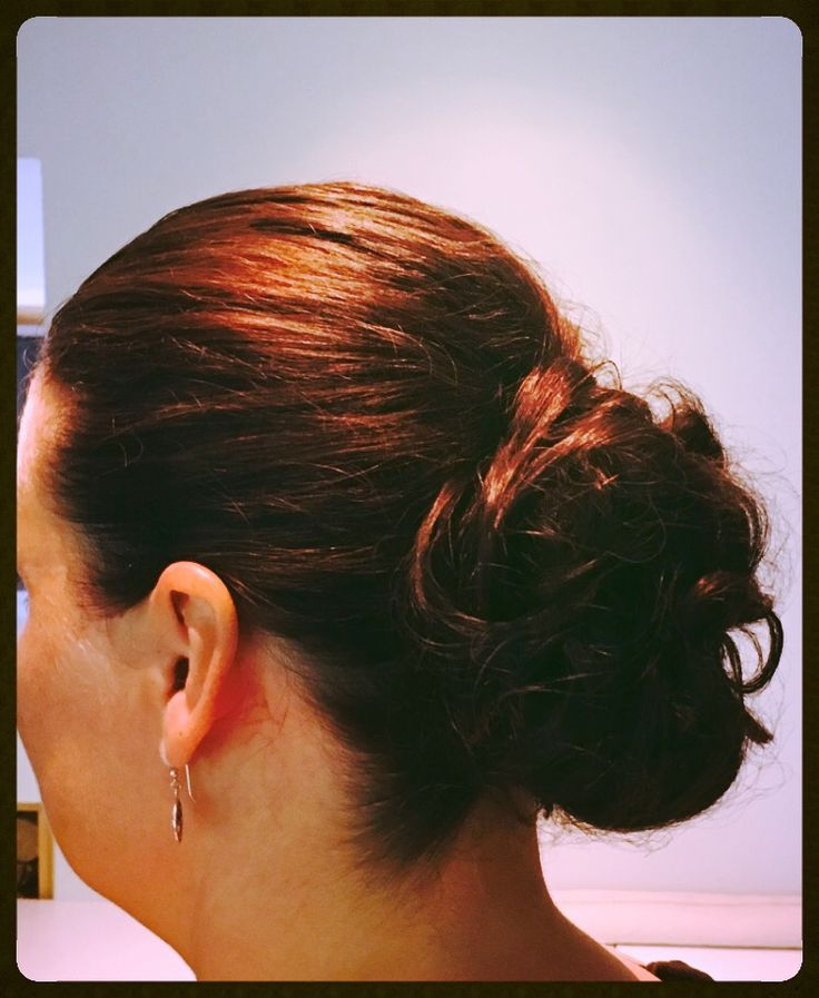 Exactly as I wanted! #ripsibar #maidofhonor #hairbun #hairstyle #weddinghair
