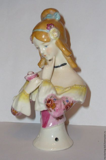 Half doll. Антикварная большая кукла-половинка (1920) в интернет-магазине на Ярмарке Мастеров. РЕЗЕРВ Кукла-половинка /Half-doll. Красивейшая фарфоровая кукла-половинка изготовлена в Германии в 1920-х годах знаменитой мануфактурой W. Goebel. Это одна из моделей, изображающих исторических знаменитостей – историческая серия. Куколка представляет одну из самых известных певиц XIX века - Дженни Линд, которую называли «Шведский Соловей»! Она известна своими выступлениями в партиях сопрано в…