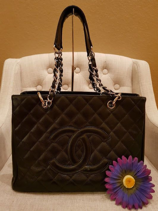 b41a36ccf2 Details about Authentic CHANEL Grand Shopping Tote (GST) in Black ...