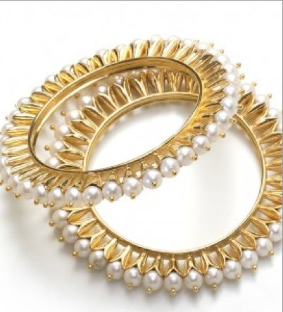 Manish Arora for Amrapali: a pretty pearl staple to go with just about any sari.