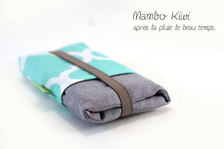 Housse iPhone 6 à poches avec tissu marocain turquoise clair - Etui Samsung Galaxy rembourré - Housse SUR MESURE : Etuis portables par mambo-kiwi