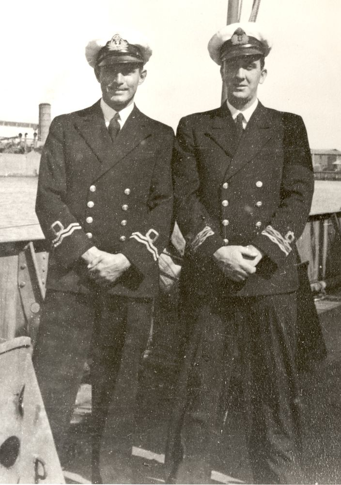 Two #Australian Navy reserve officers pose for the camera, ca. 1942. Both the British Royal Navy and the navies of Empire member countries deployed large numbers of reserve officers due to the manpower requirements of the world war. #AustraliaRemembers