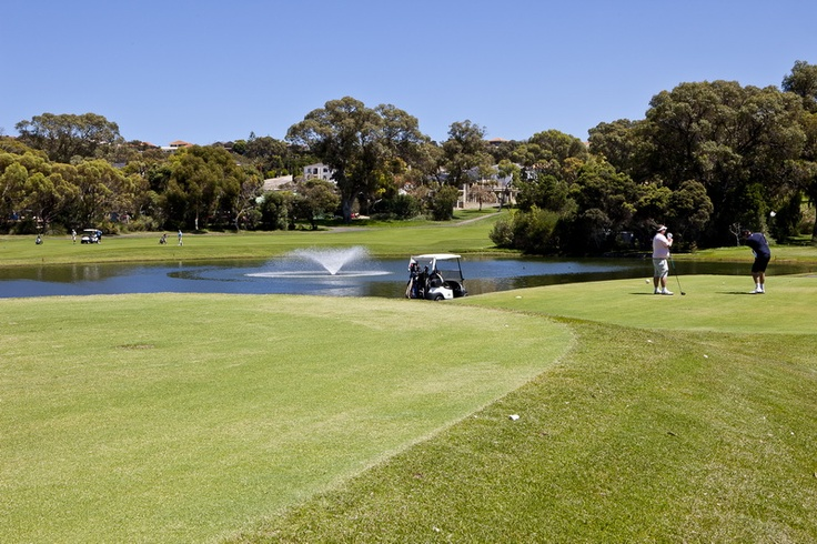 The spectacular golf course in Perth sweeps across dense bushland, cuts through steep limestone quarries and skirts picturesque lakes, to present surprises and challenges at almost every turn. One minute you are playing an approach shot beneath a 30-metre limestone cliff, the next you are adapting to the fresh ocean breeze on an undulating links style fairway.
