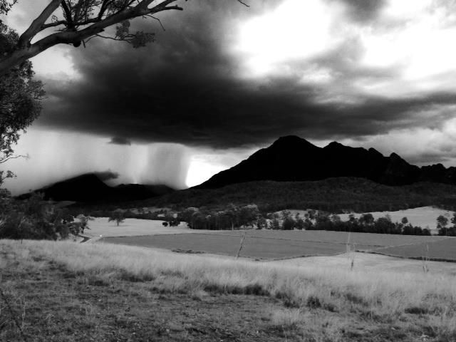 The drive to Mt Barney Lodge sometimes reveals an impressive storm display