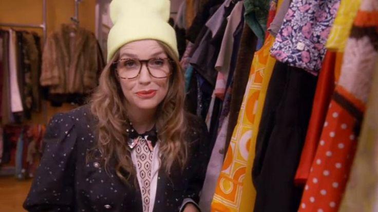 La comédienne Laurence Arné incarne une blogueuse mode dans ce premier épisode d'un nouveau programme court.