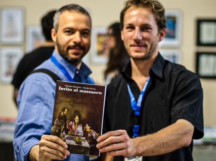 Giovanni Marchese e Davide Garota a Napoli Comicon 2012 con il loro graphic novel Invito al massacro