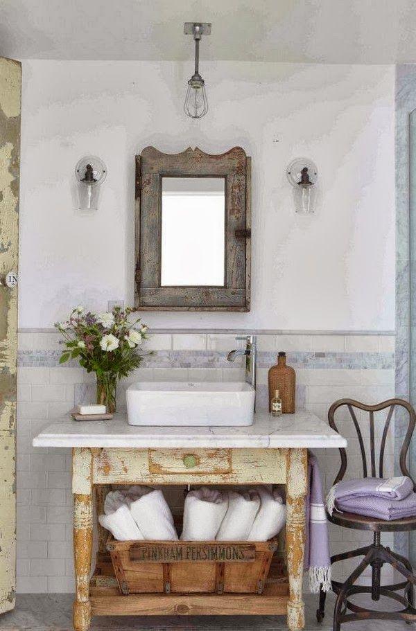 Mueble baño lavabo antiguo decapado                                                                                                                                                                                 Más