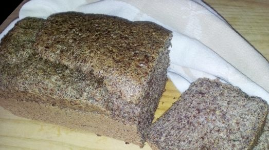 BREAD - Low-Carb Flaxseed Bread (& Rolls)